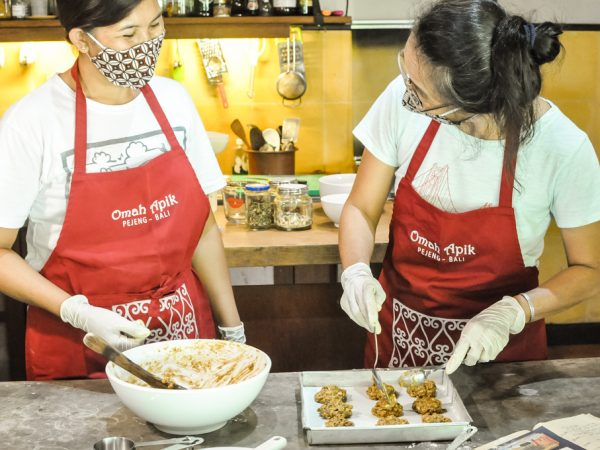 baking activities at Omah Apik